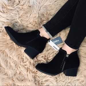 NWT Sonoma black suede booties